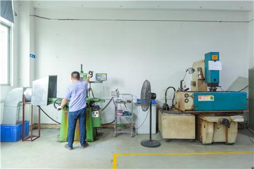 汽车中控按键生产定制如何管控产品质量问题