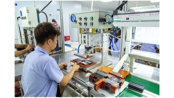 手机硅胶按键的配料是通过哪些环节进行加工如何操作的