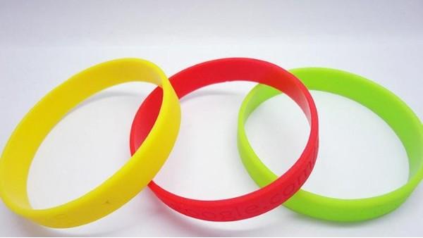 硅胶运动手环的特点都有什么?为什么会得到市场欢迎?