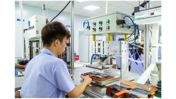 定制汽车硅胶按键你知道厂家是怎么给汽车按键镭雕的吗